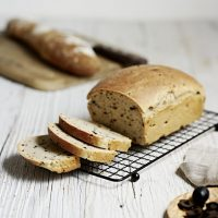 Sourdough_bread_with_olives_ID603772_portrait_2-scr
